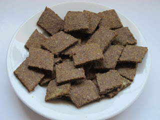 Mini Flaxseed Cracker Biscuits