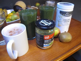 Eating aboard – Healthy green smoothie