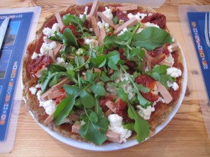 201 Pizza 5 Polony, cauliflower, sundried tomatoes, spring onion and rocket