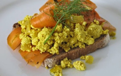 Vegan 'NOT smoked salmon scramble'