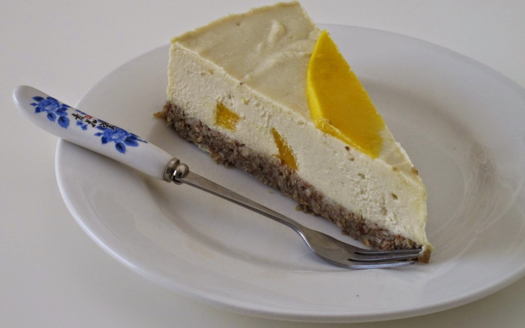 Raw lemon, ginger and mango cheezecake